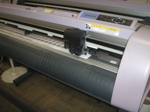 Vinyl graphics cutter, die cutting, vinyl cutting