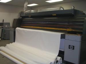 Grand Format, Mesh Printing, Banner Printing, Vinyl Printing